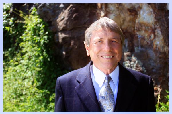 Dr. Michael S. Saunders - Asheville Emergency Dentist
